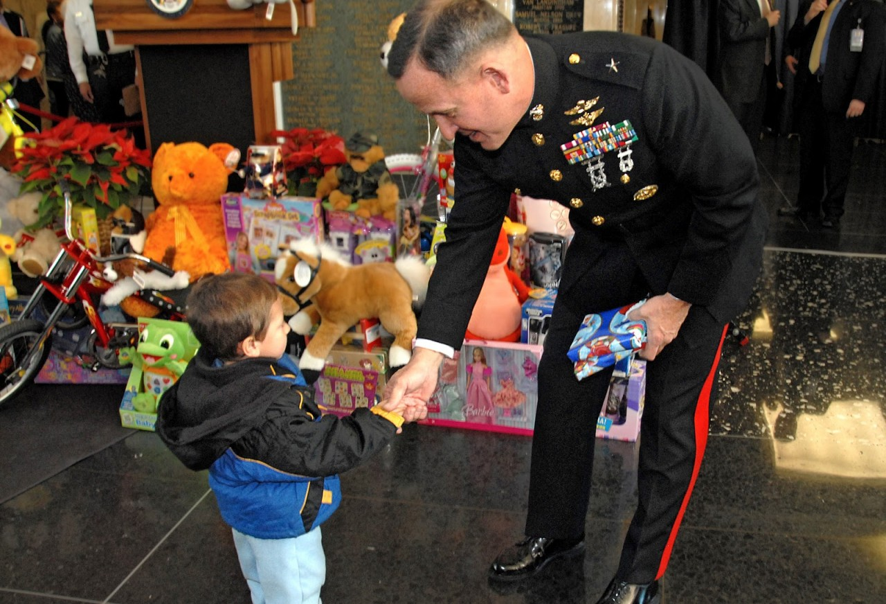 B2ap3 Large Toys For Tots 1